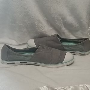Columbia Vent Slip On Sneakers size 11 or 42